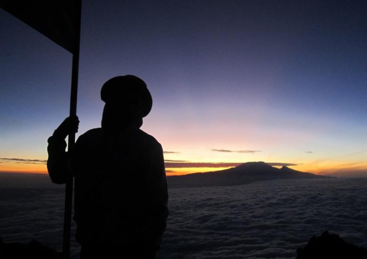 mt_meru_sunset_tanzania