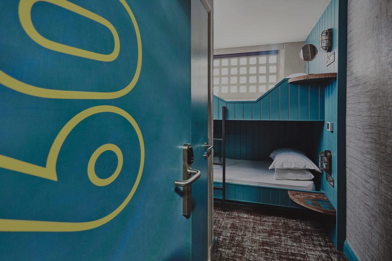 garrison_hotel_fort_william_bunk_room