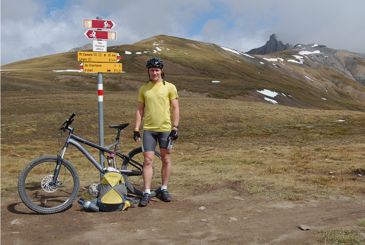 pass_chaschauna_switzerland_mountain_biking
