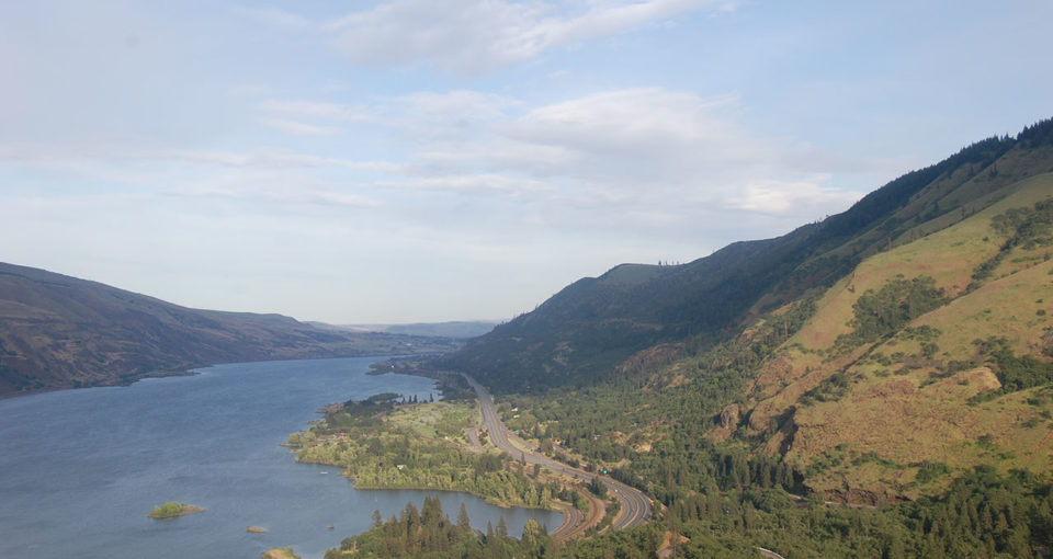 Cycling, coffee and beer in Hood River, Oregon