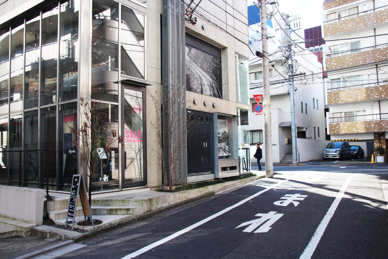 rapha_cafe_tokyo_rear_edit