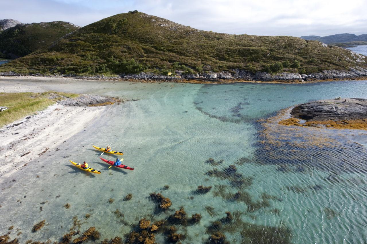 Terje_Rakke_sea_kayak_helgeland_reiseliv_roedoey