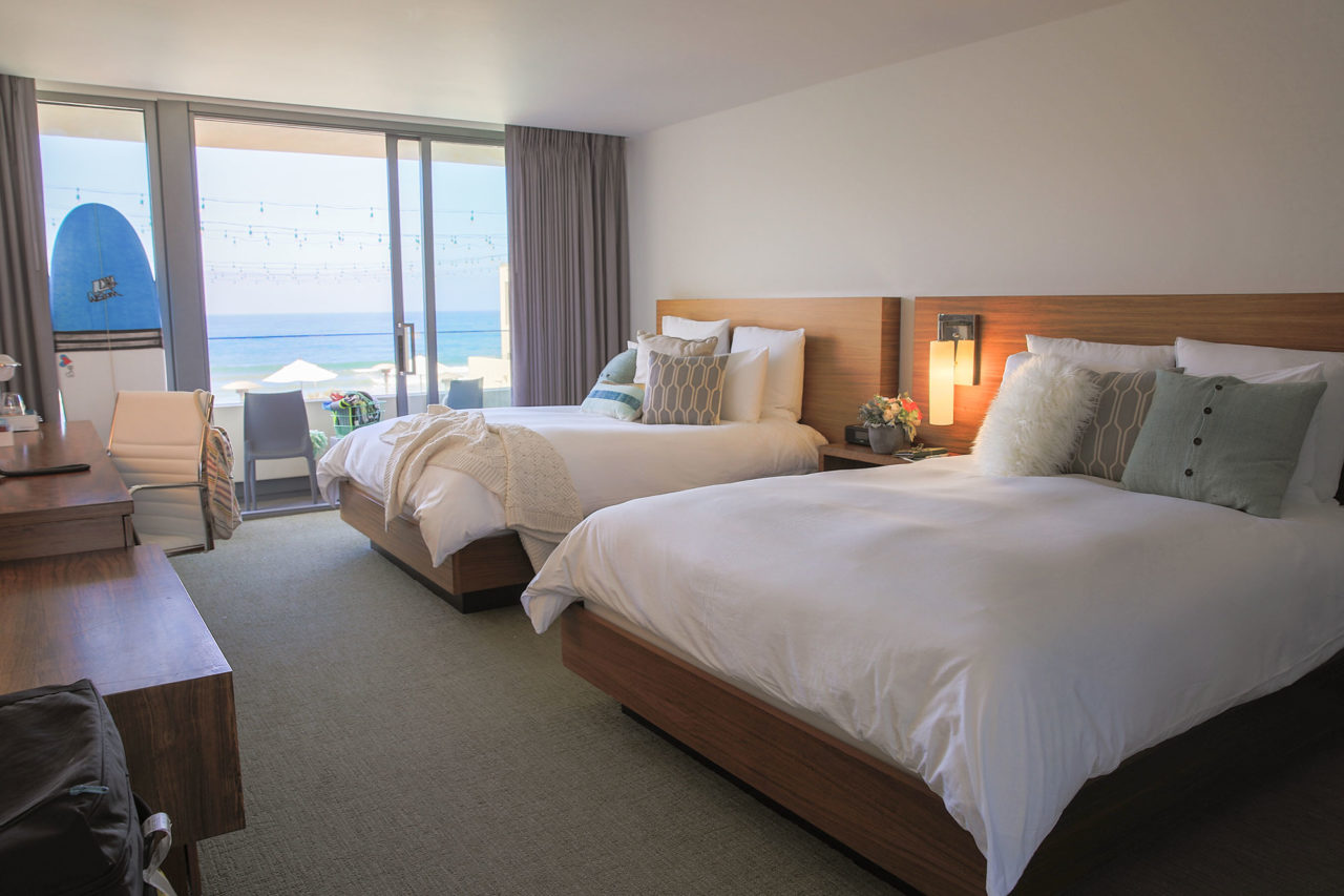 tower23_san_diego_beachfront_hotel_bedroom