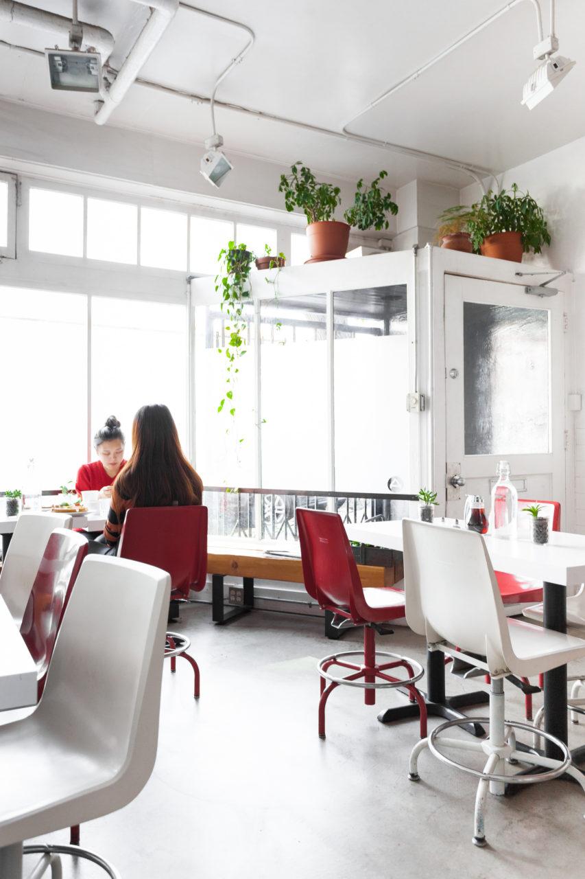 ace_hotel_seattle_dining_area