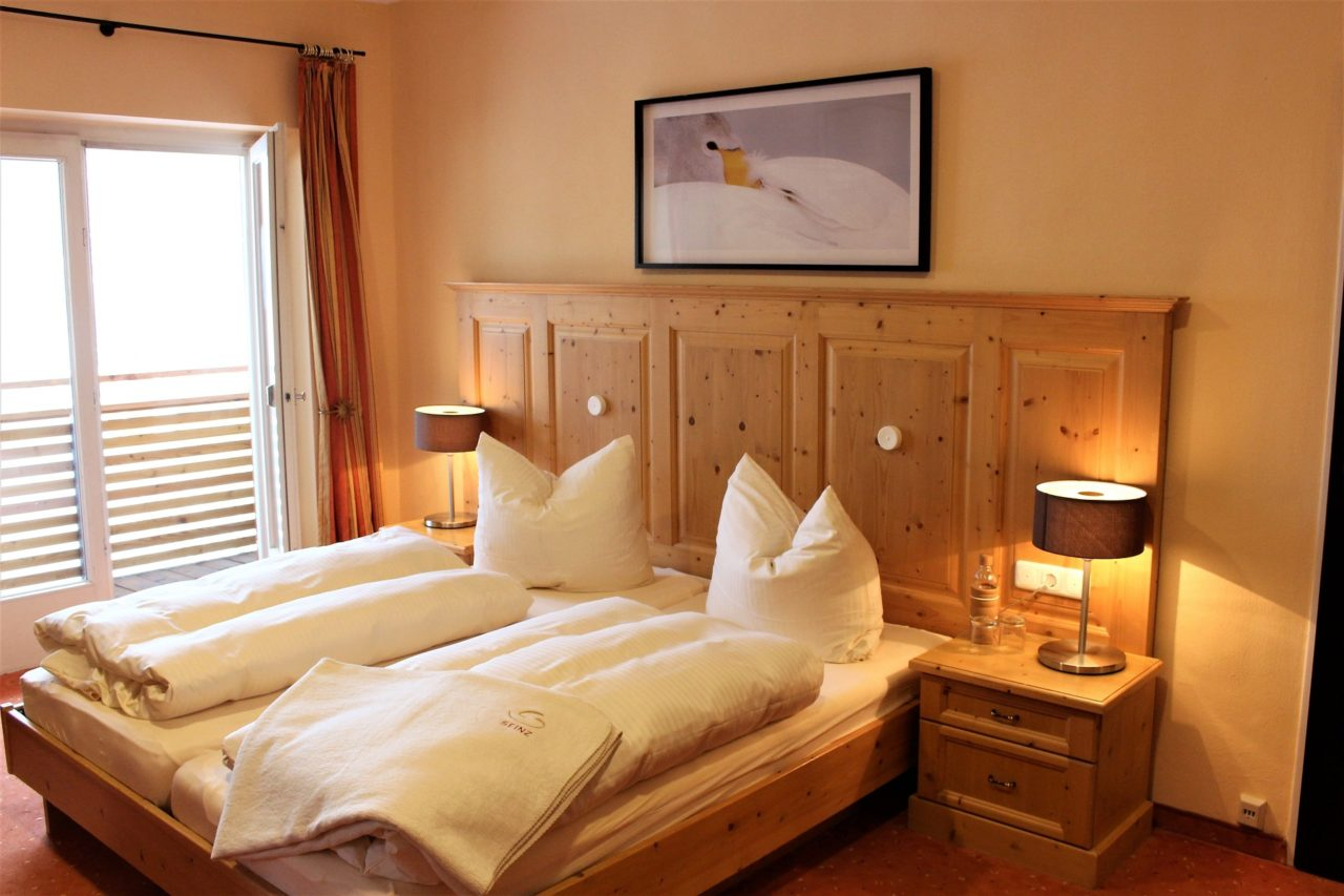 bedroom_seinz_hotel_germany_classic