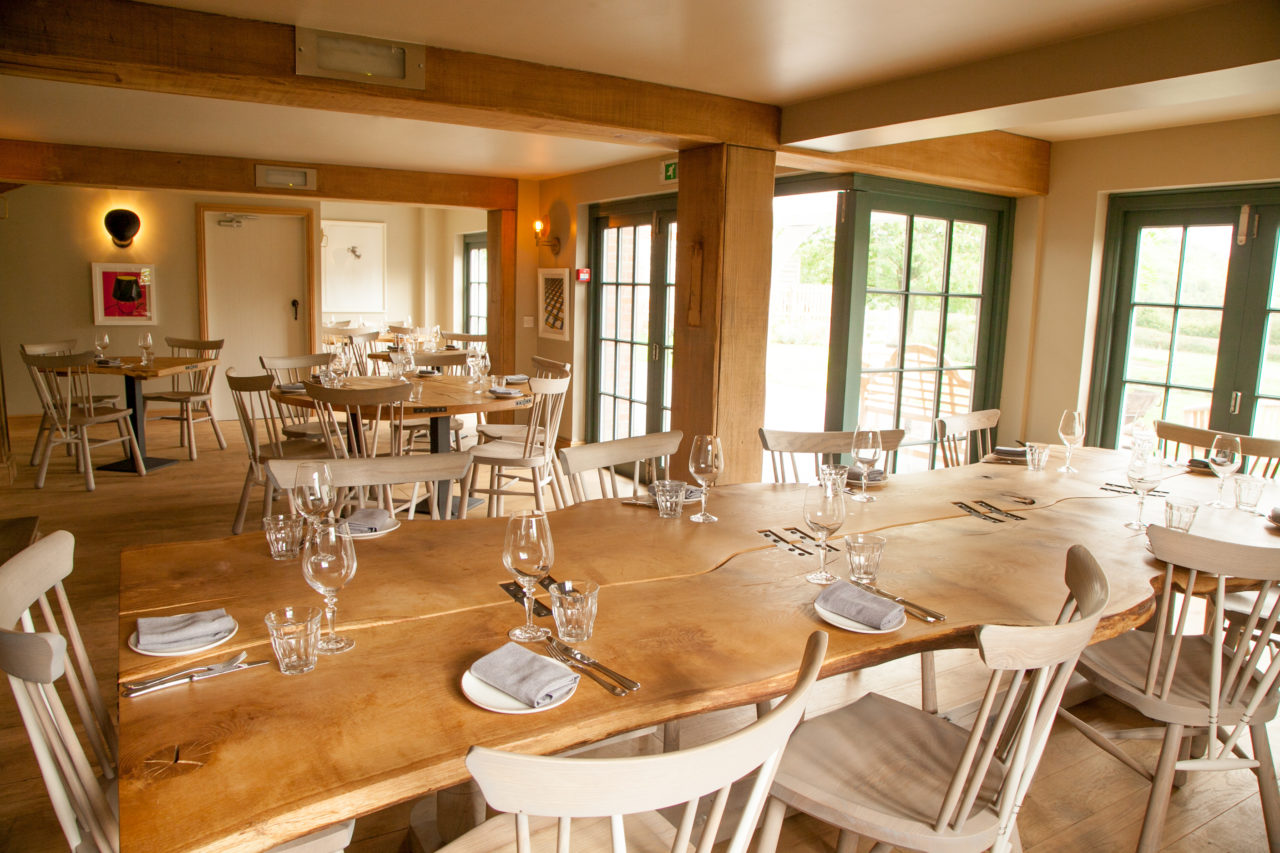 mash_inn_buckinghamshire_dining_room