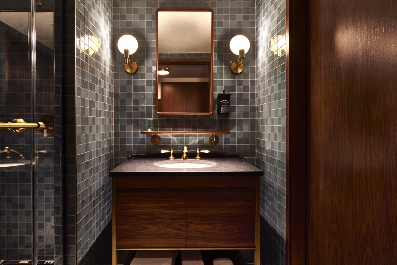 eaton_hotel_washington_dc_bathroom_adrian_gaud